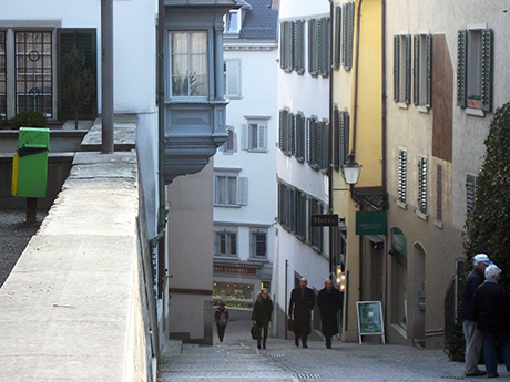 Up the hill to the Lindenhof