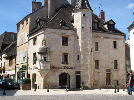 Building in the center of town, Beaune